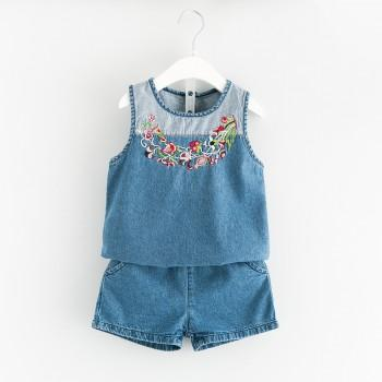 Awesome 2-piece Floral Embroidered Short-sleeve Top and Shorts for Girl