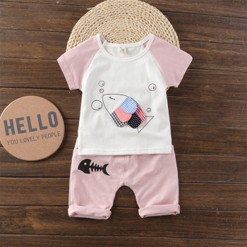Lovely Color-blocking Appliqued Fish Short-sleeve T-shirt and Shorts Set for Baby and Toddler
